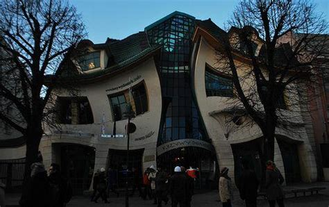 5 Bizarre Buildings From Europe to North America   Urban