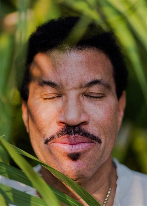 Lionel Richie Has Some Bedding to Sell You - The New York