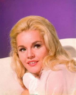 Poze Tuesday Weld - Actor - Poza 20 din 37 - CineMagia